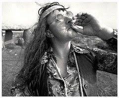 1358378162_hippie%20smoking