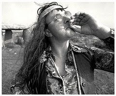 1358378162_hippie%20smoking